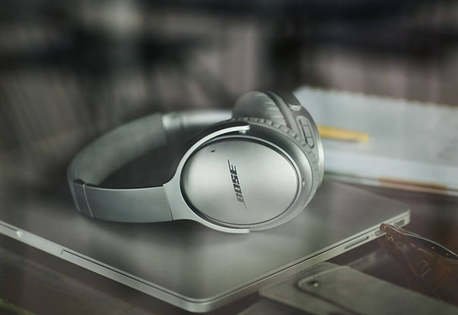 Bose headphones for listening to music and audio playback