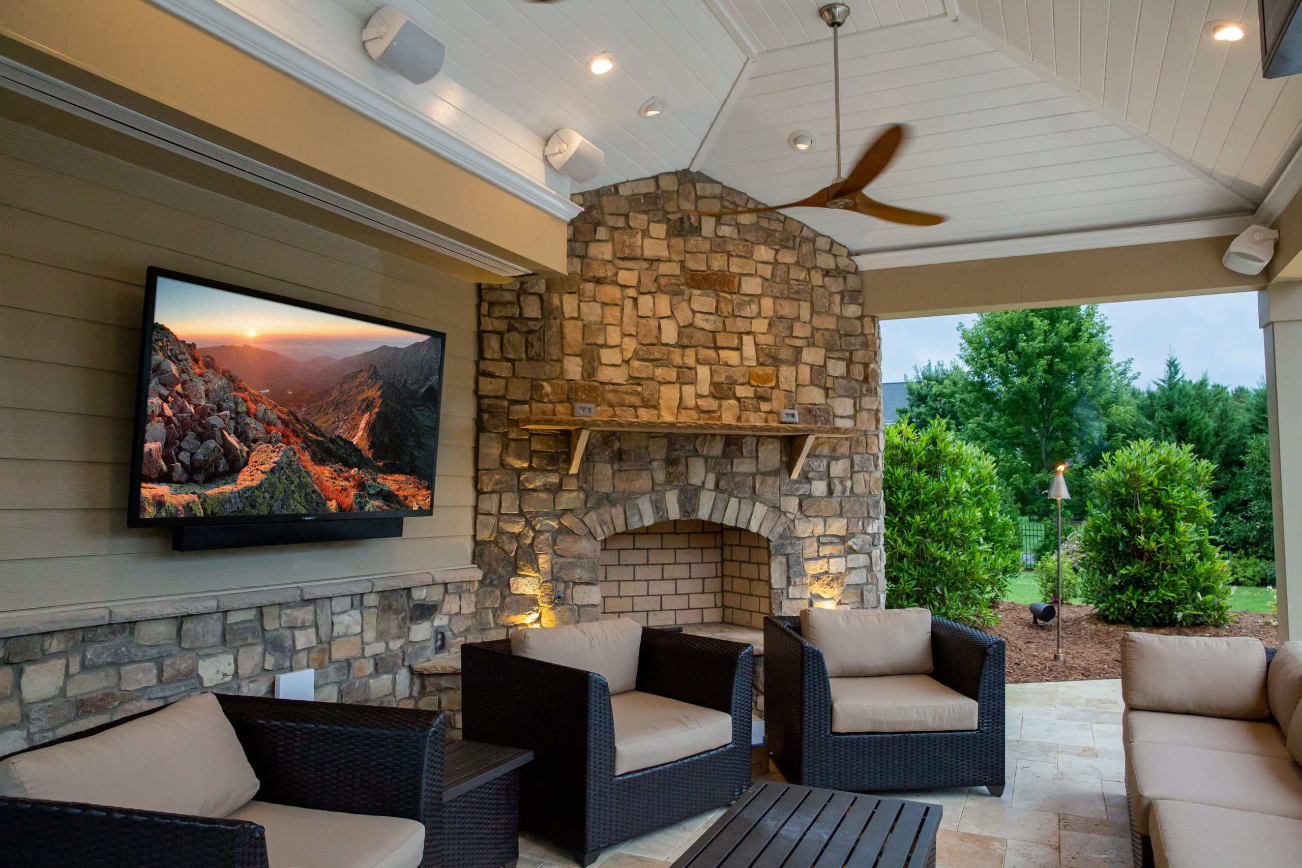 Outdoor entertaining area with home cinema