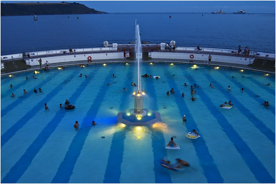 Plymouth Tinside pool - lighting