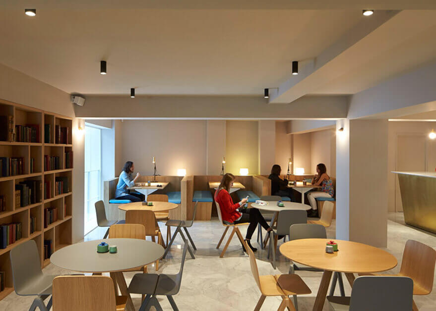Flexi meeting space lighting and audio installation