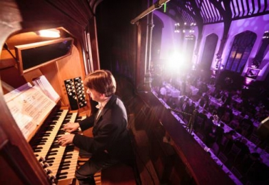 Organist at awards ceremony event for Bristol Grammar School