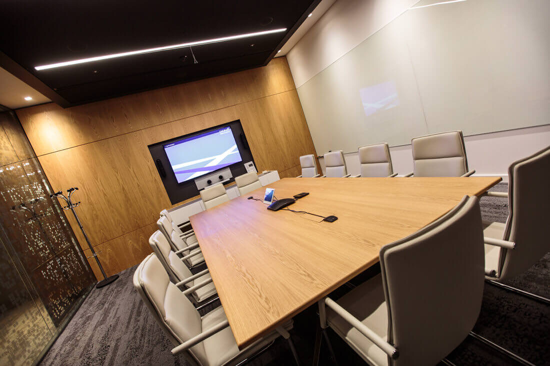 QBE Insurance London Meeting Room with Wireless Presentation Device