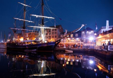Plymouth Barbican event boat with lighting