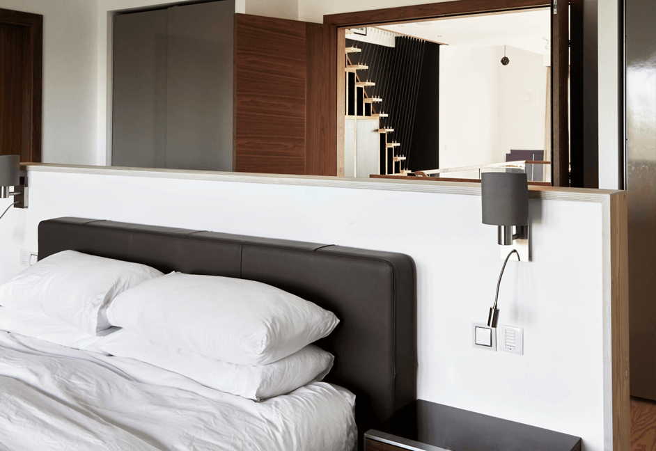 automated bedroom with control 4